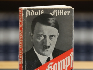 An Italian newspaper gave away 'Mein Kampf'