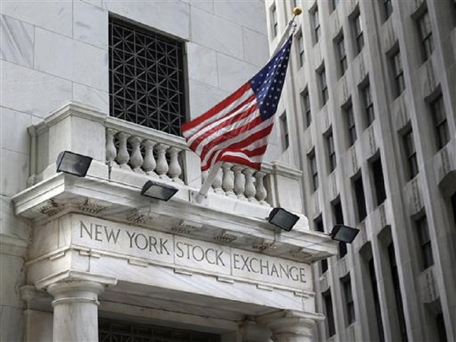 Dow on track to top 26000 at open
