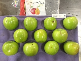 Wal-Mart will soon start selling 'ugly' apples