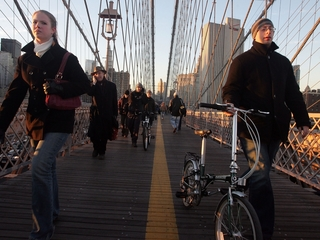 NYC looks for ways to widen Brooklyn Bridge