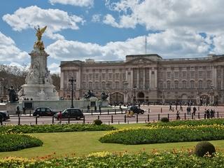 Buckingham Palace is hiring a housekeeper