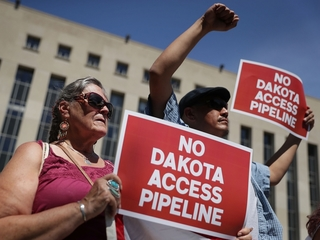 Sioux tribe halts part of Dakota pipeline