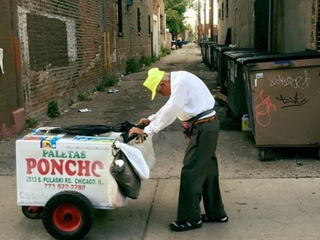 Strangers raise $300K for elderly ice cream man