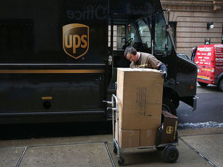UPS to hire 95,000 seasonal workers