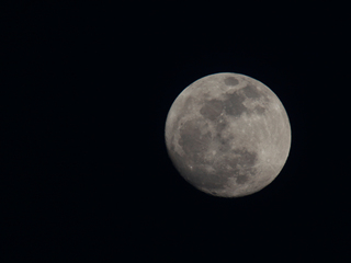 Stars play disappearing act with moon on Tuesday