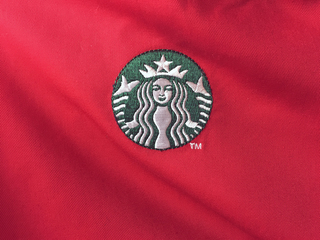 Starbucks BOGO holiday drink deal ends today