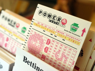 No Powerball winner; jackpot climbs to $430M