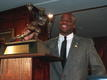 Salaam's Heisman Trophy to be auctioned online