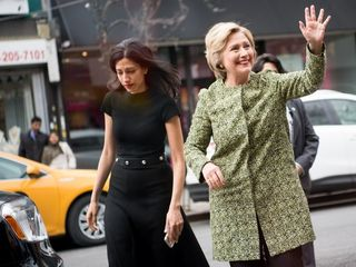 Lawyer 'appalled' by Clinton warrant