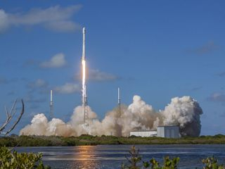 Safety issues likely to delay commercial crew