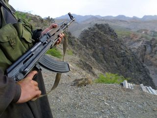 Pakistan targets militants after terror attack