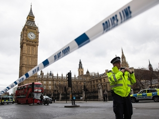 4 dead in terror attack near UK's Parliament