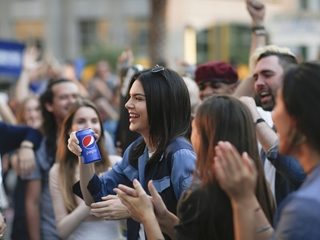 Kendall Jenner's Pepsi ad criticized