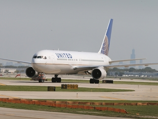 United offers new service between DIA, Norfolk