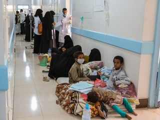Yemen blocks aid workers from entering country