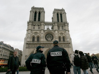 Westminster woman witnesses Notre Dame attack
