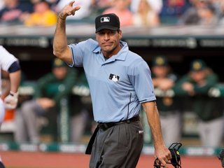 Umpire sues MLB for racial discrimination