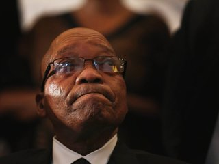 Jacob Zuma survives no-confidence vote