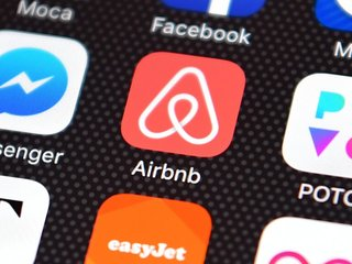 Airbnb deletes suspected 'alt-right' accounts
