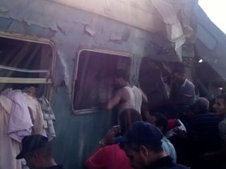 Dozens killed in deadly train crash in Egypt