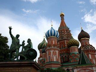 US suspends nonimmigrant visas for Russians