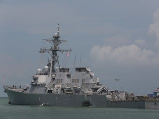 US Navy orders 'operational pause'
