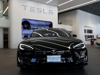 Telsa gives upgrade to owners fleeing Irma