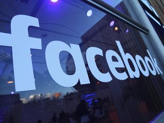 Facebook pulls ads aimed at racist searches