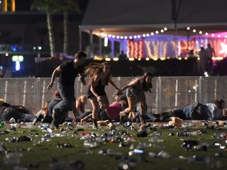 58 dead, 500 injured after Las Vegas shooting