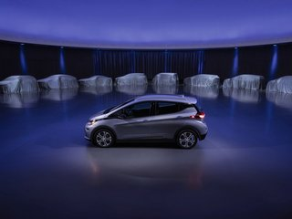 GM to make many more all-electric vehicles