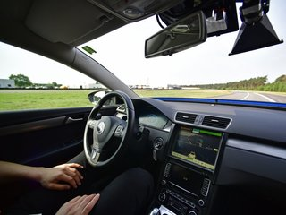 Drivers may struggle with autonomy in short term