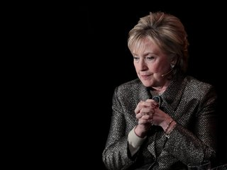 Justice Dept. weighs Clinton Foundation probe