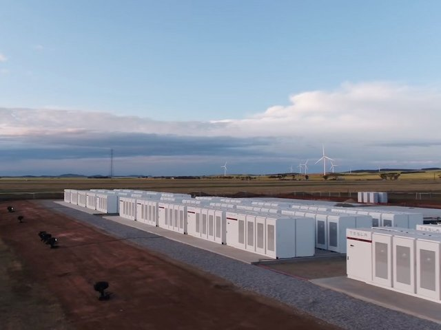 World's largest lithium-ion battery is ready to power-up