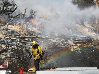 Fires in Southern California keep growing