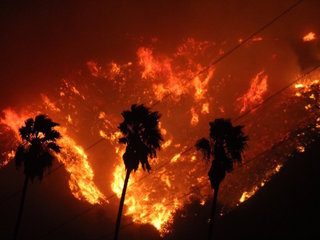 More than 1K firefighters battling Calif. fire