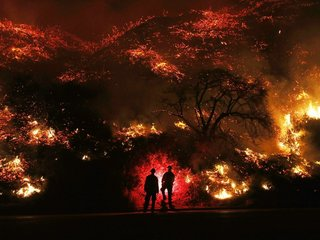 Strong winds threaten to make Calif. fires worse