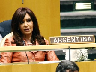 Former Argentina president faces arrest warrant