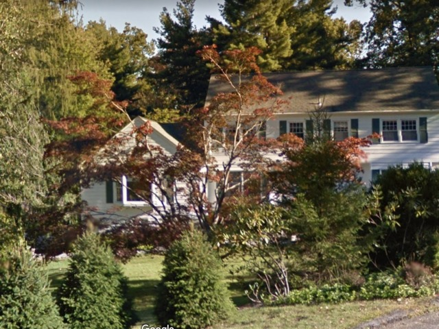 Fire Breaks Out At Hillary Bill Clinton 39 S Home In New