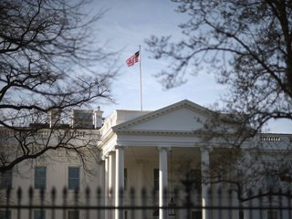 White House bans personal devices in West Wing