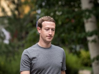 Zuckerberg sets 2018 goal to fix Facebook issues