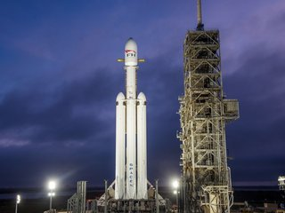 A look at SpaceX's Falcon Heavy rocket