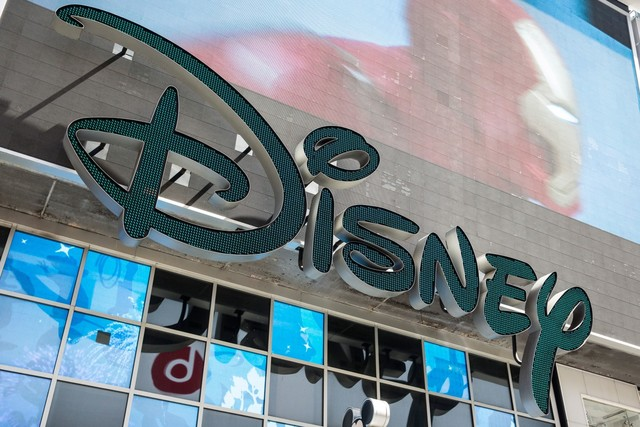 Disney employees to receive $1000 cash bonus due to tax reform