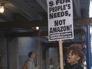 Protesters refuse to welcome an Amazon HQ2