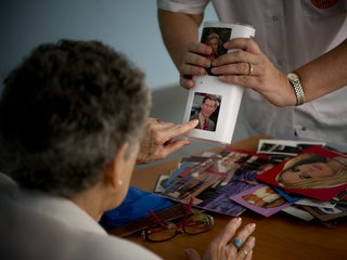 Brain pacemaker may slow effects of Alzheimer's