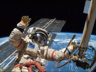 Cosmonauts offer tourists $100M spacewalks