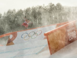 Strong winds at Winter Olympics cause issues