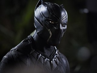 'Black Panther' debut beats box office records