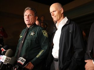 Broward deputies to carry rifles in schools