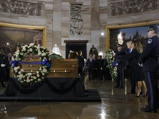 Trump pays tribute to Billy Graham at US Capitol