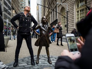 Officials debate fate of 'Fearless Girl'